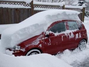 Как откопать автомобиль зимой